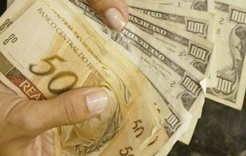 Aproveite a baixa do dólar e faça aquela viagem dos seus sonhos!